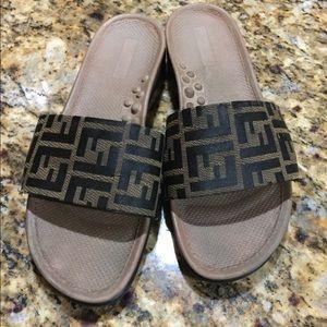 Shoes - Women's slides